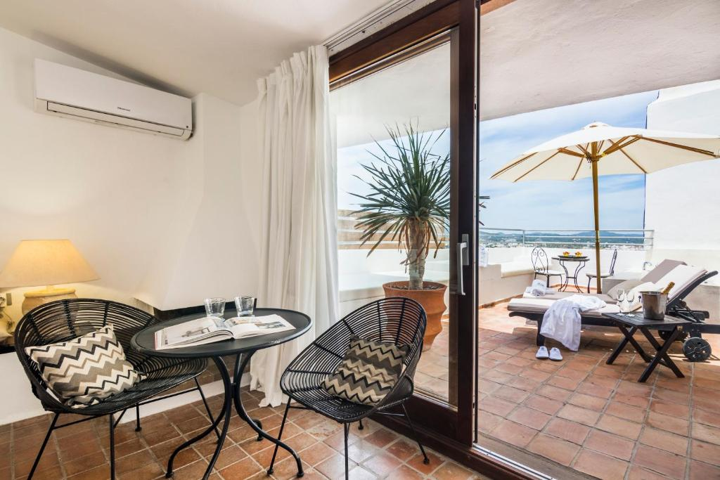 boutique hotels ibiza  152