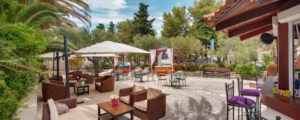 Ein Restaurant oder anderes Speiselokal in der Unterkunft Hotel Villa Adriatica - Adults Only