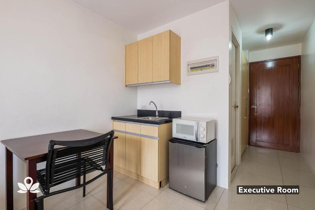 Hotel Zen Rooms Basic Dian St Makati Manila Philippines Booking Com