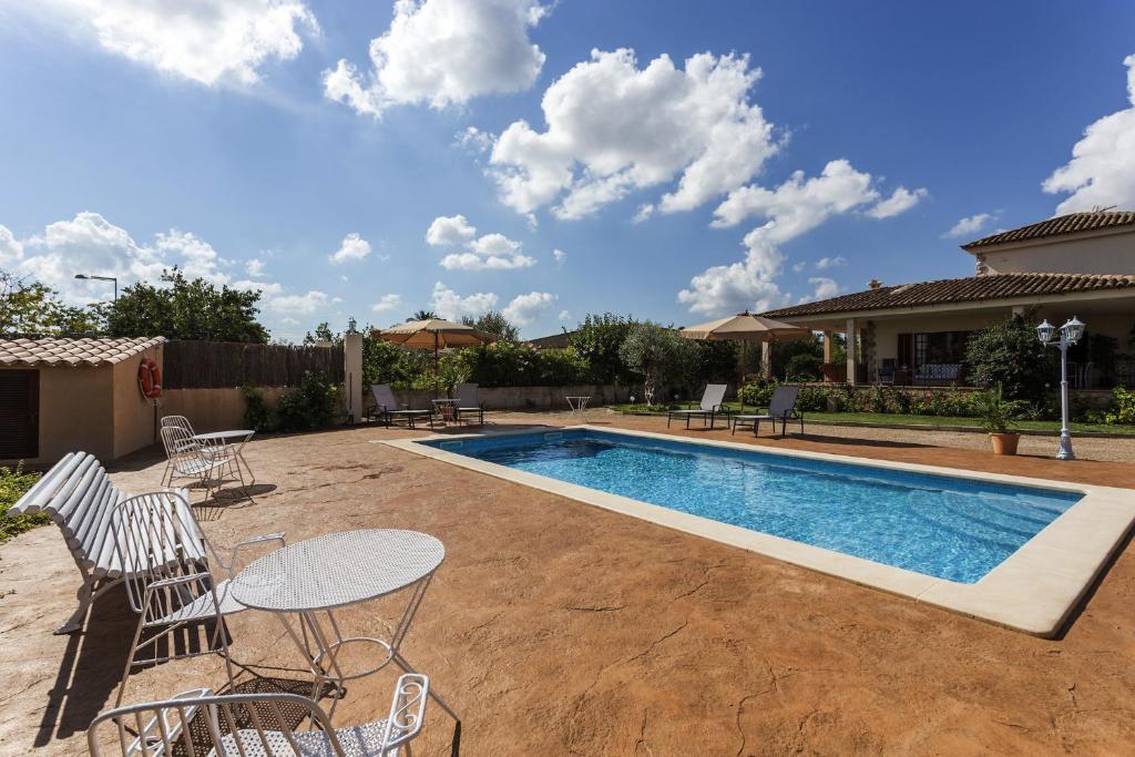 Villa en palma de mallorca con piscina marpe palma de - Piscinas en mallorca ...