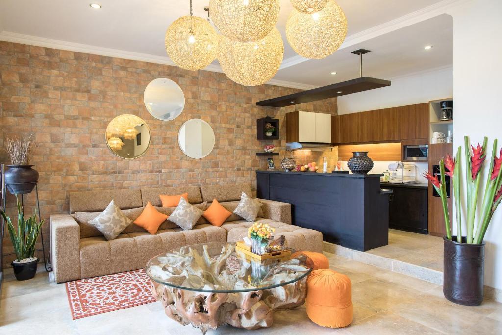 Villa zara la mare jimbaran indonesia booking gallery image of this property stopboris Images