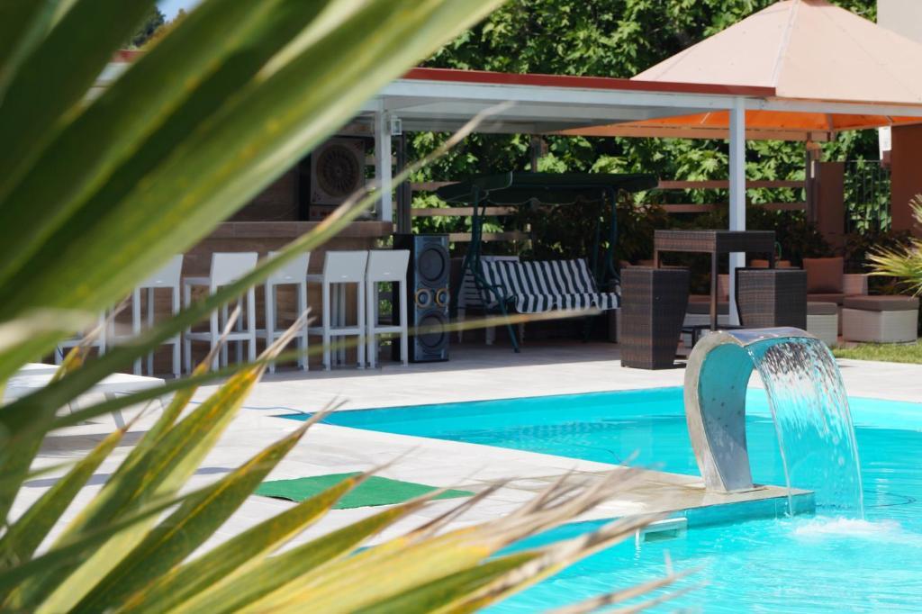 Πισίνα στο ή κοντά στο Aquamare Studios