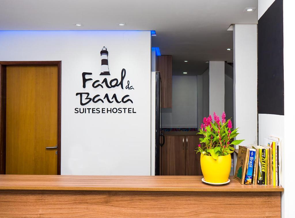 Farol da Barra Suites e Hostel tesisinde lobi veya resepsiyon alanı
