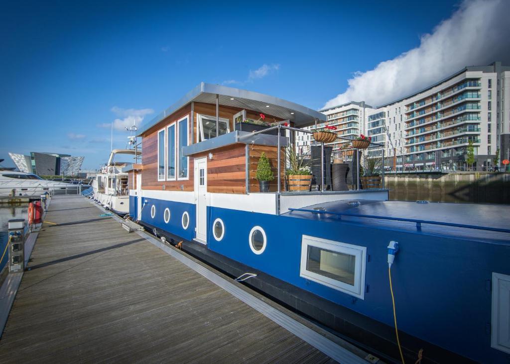 Barge At Anic Boat Belfast Uk Deals
