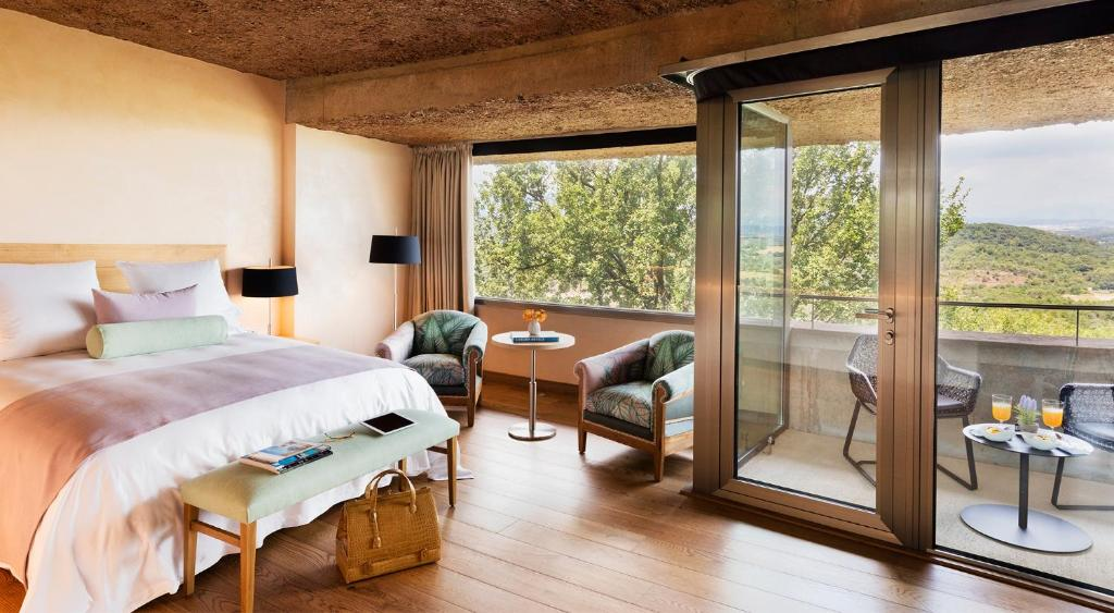 hotels with  charm in sant julià de ramis  7