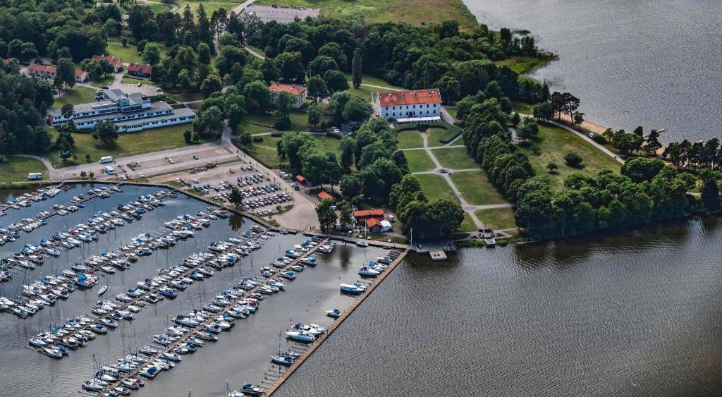Ett flygfoto av Sundbyholms Slott