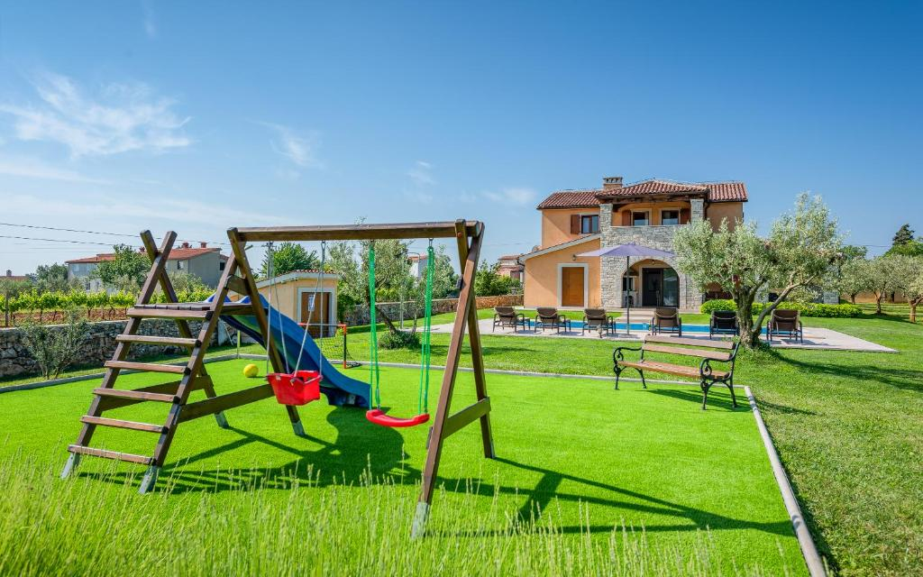 Villa Oliveta Filipana Harga Terkini 2018