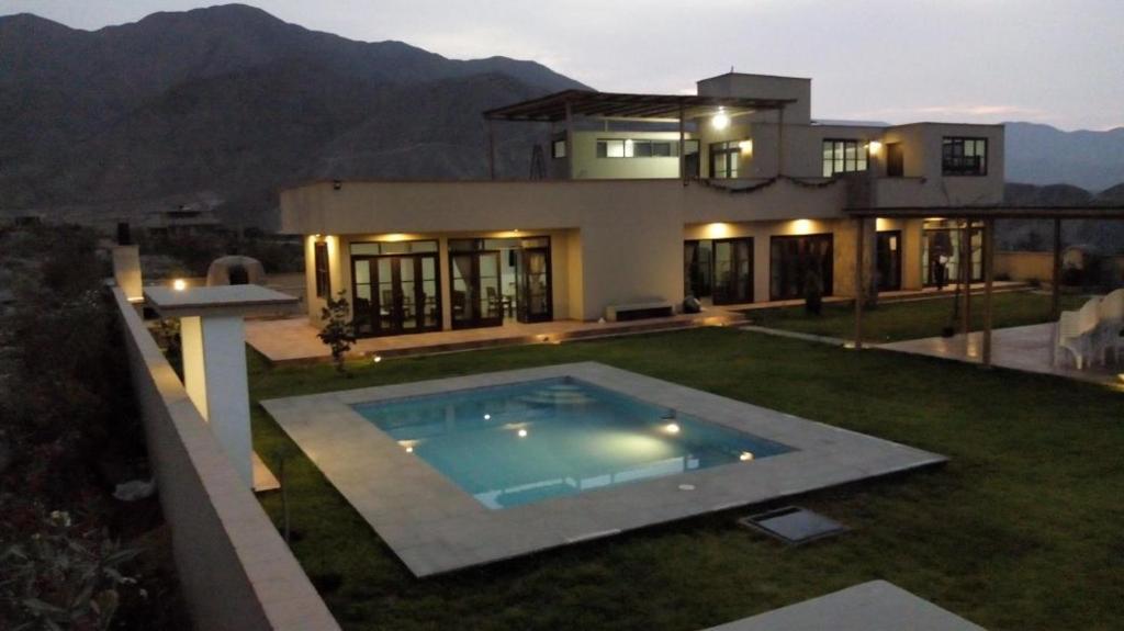 Casa de campo cieneguilla per casa vieja for Fotos casas de campo con piscina