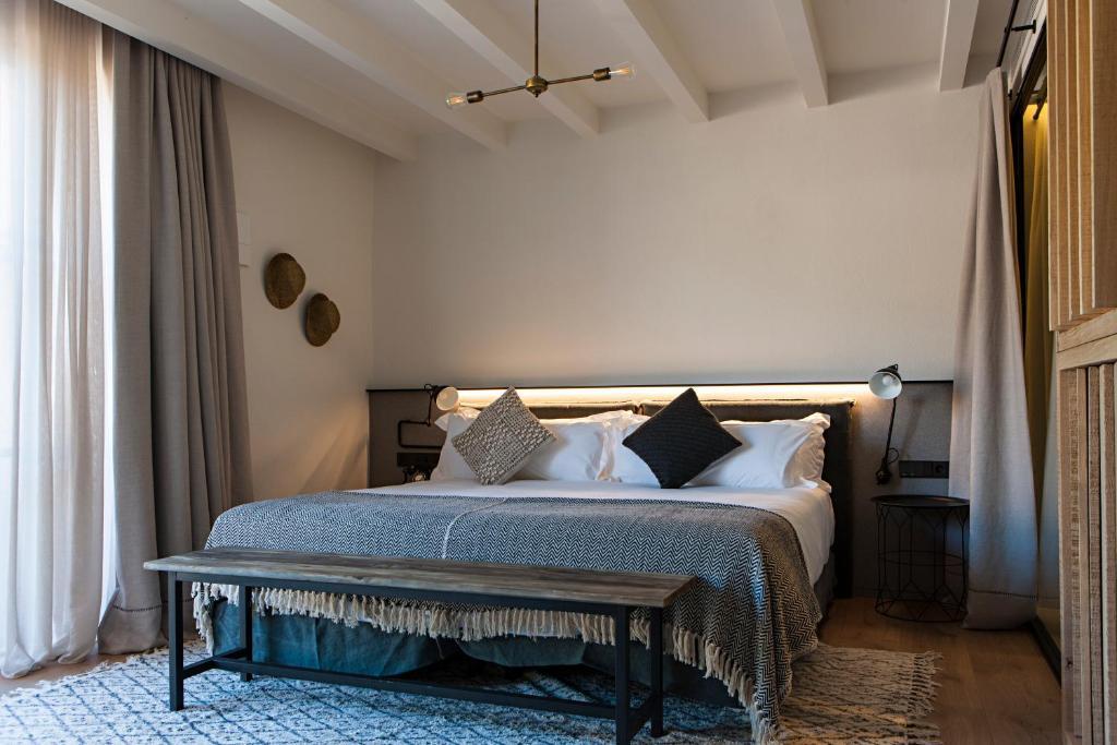 hoteles con encanto en tarragona  265