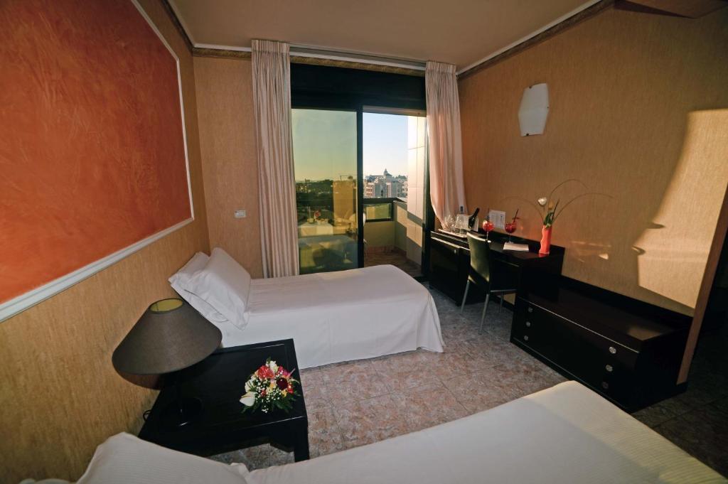 Buffet Italiano Cagliari : Hotel regina margherita cagliari italy booking