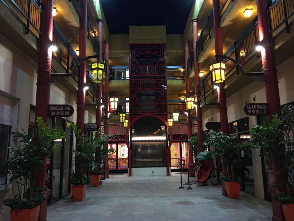 Best Western Plus Dragon Gate Inn.