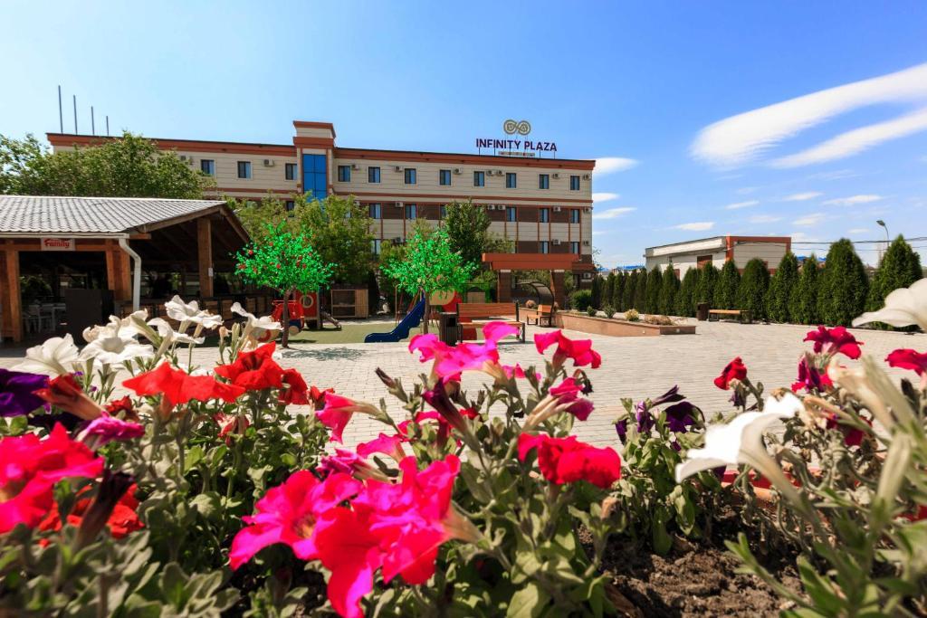 Vasca Da Bagno Infinity Prezzo : Infinity plaza hotel atyraū u2013 prezzi aggiornati per il 2019