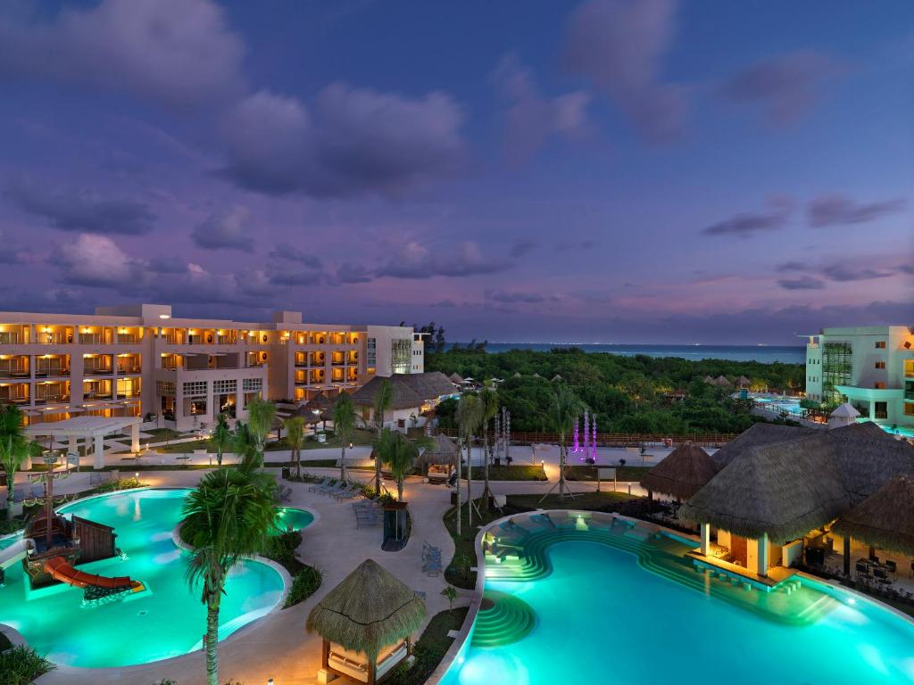 A view of the pool at Paradisus La Esmeralda All Inclusive Playa Del Carmen or nearby