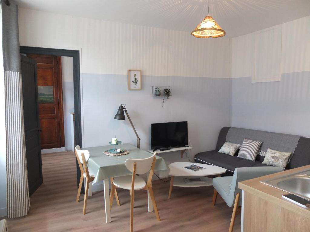 Apartments In Saint-jean-le-thomas Lower Normandy