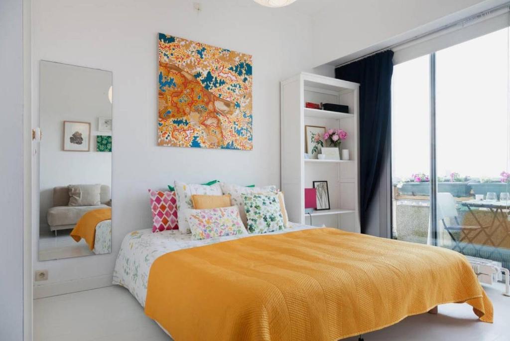 Postel nebo postele na pokoji v ubytování Lovely View Ensuite Room