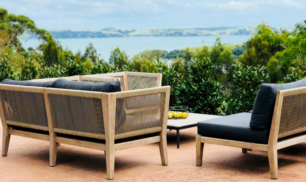 Cable Bay Villa, Oneroa, New Zealand - Booking.com on chaise sofa sleeper, chaise recliner chair, chaise furniture,