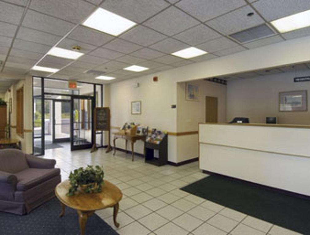The lobby or reception area at Knights Inn Liberty
