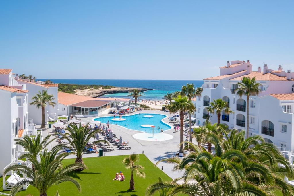 Hotel Carema Beach Menorca, Cala en Bosc, Spain - Booking.com