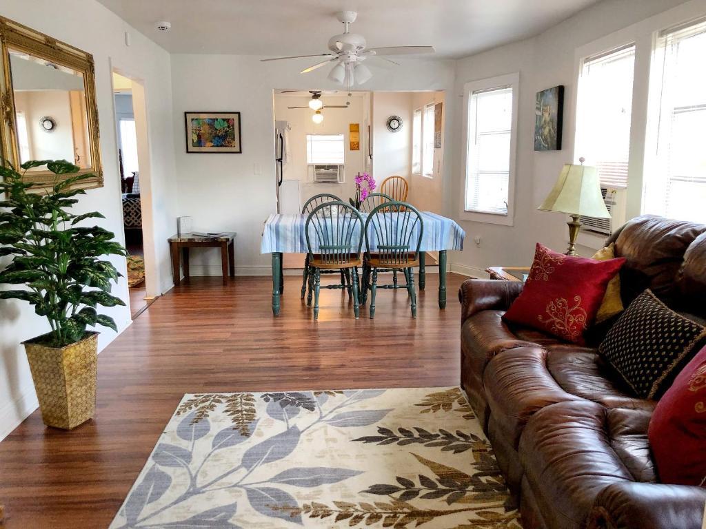 Apartment Historic 3 Br Lake Worth Mins From Beach Fl Bookingcom