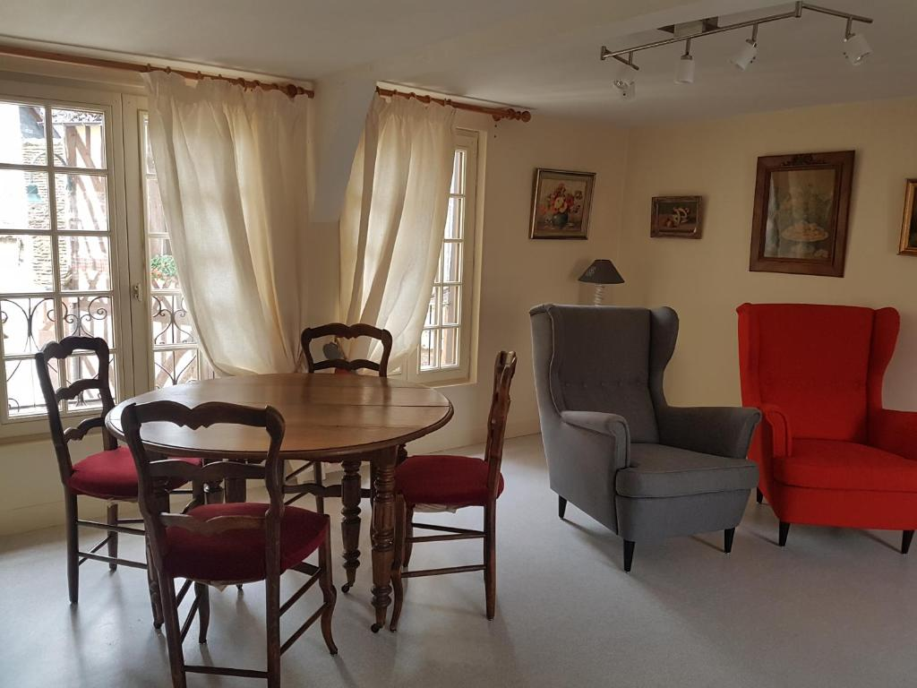 Apartments In Saint-germain-d'aunay Lower Normandy