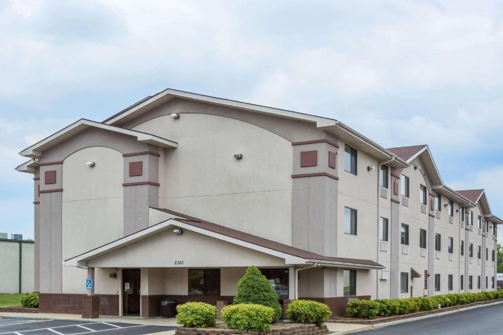 hotel super 8 by wyndham danville va va booking com