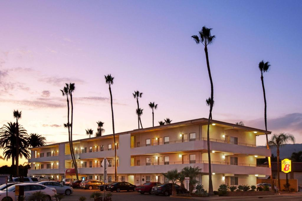 The Super 8 by Wyndham Santa Barbara/Goleta.