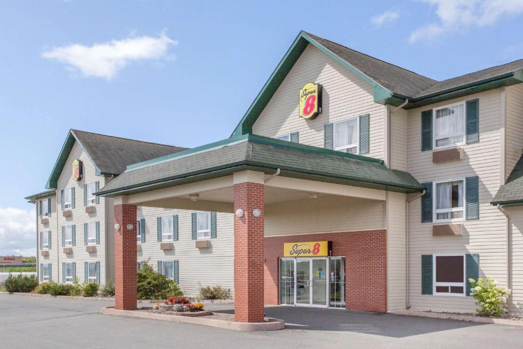Hotel Super 8 By Wyndham Truro Ns  Canada