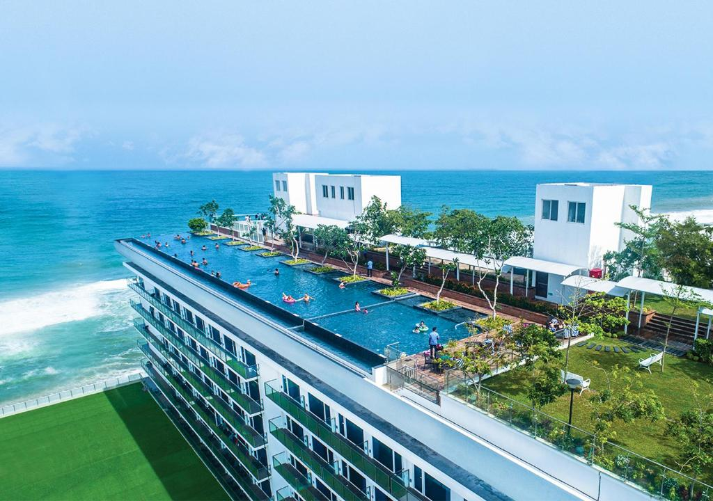 A view of the pool at Marino Beach Colombo or nearby