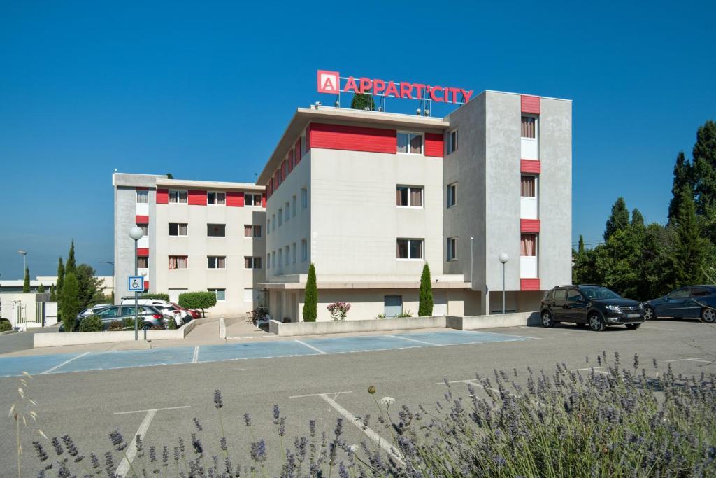 Apartments In Velaux Provence-alpes-côte D