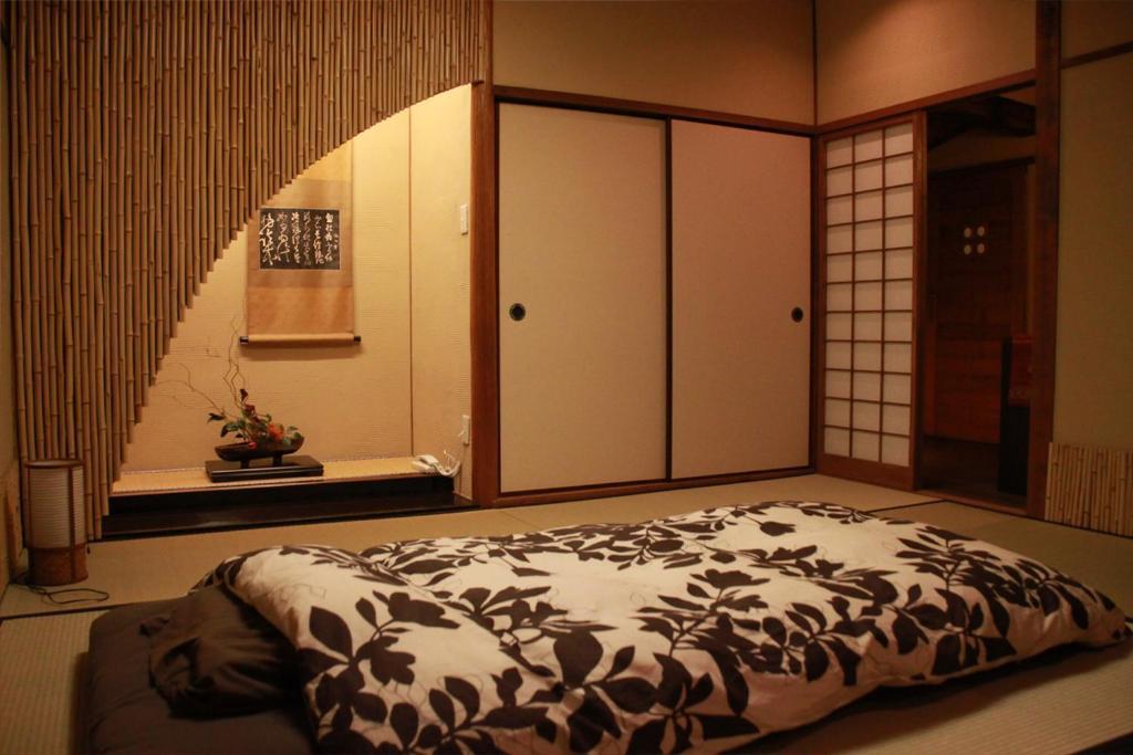 ポイント1.日本を感じられるムード満点!和風の客室