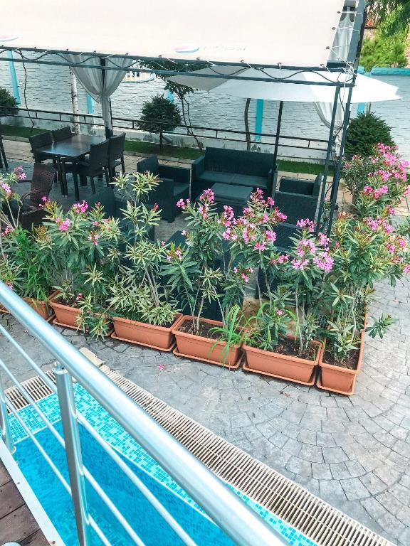 Апартамент Relax in Spacious Апартаментs Near Black Sea - Равда
