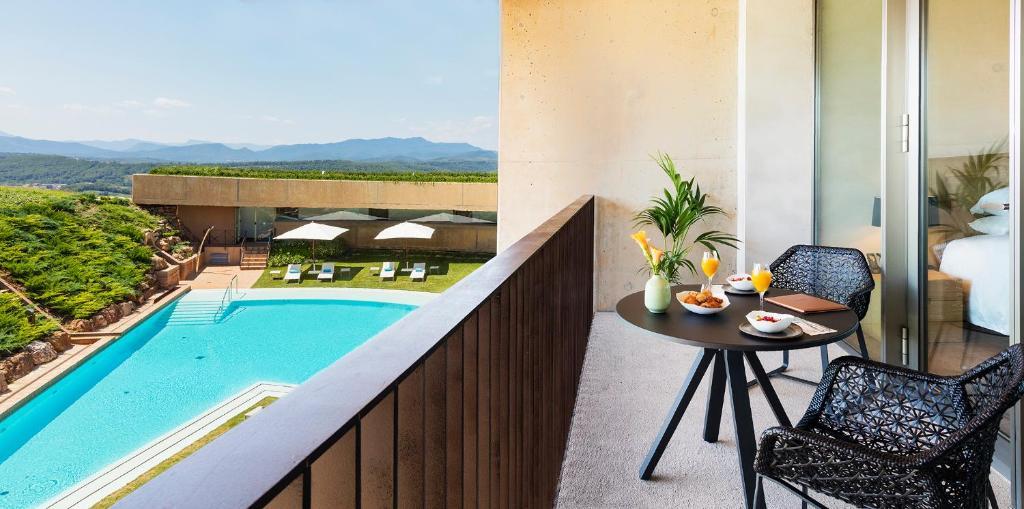 hotels with  charm in sant julià de ramis  11