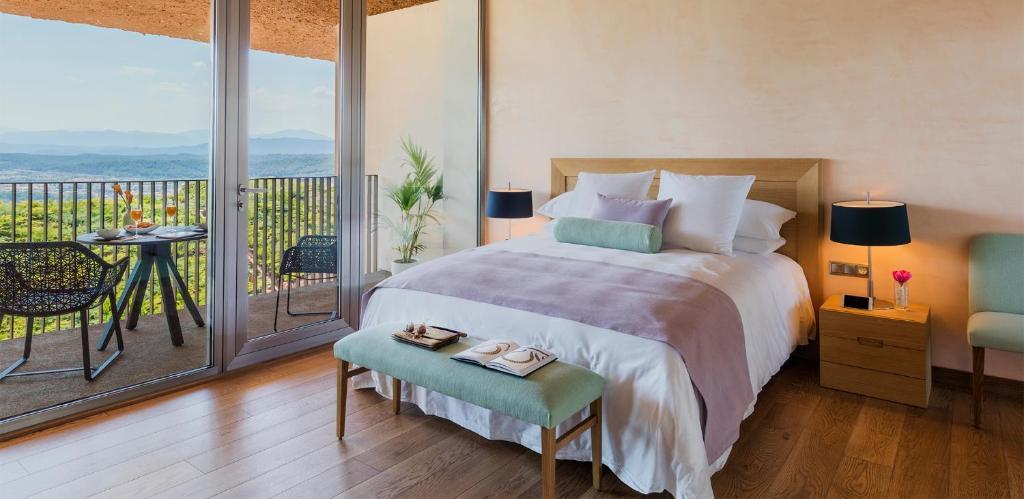 hotels with  charm in sant julià de ramis  9