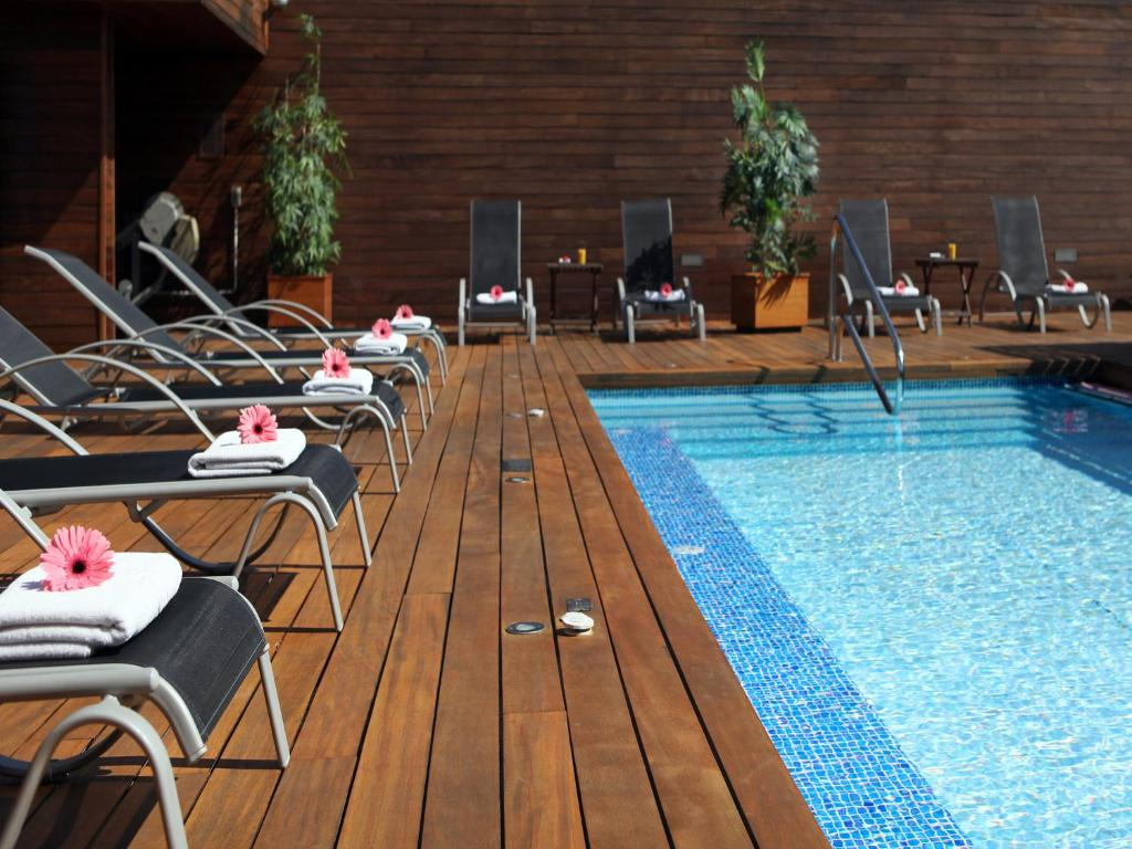 barcelona day trips best hotel barcelona swimming pool rooftop