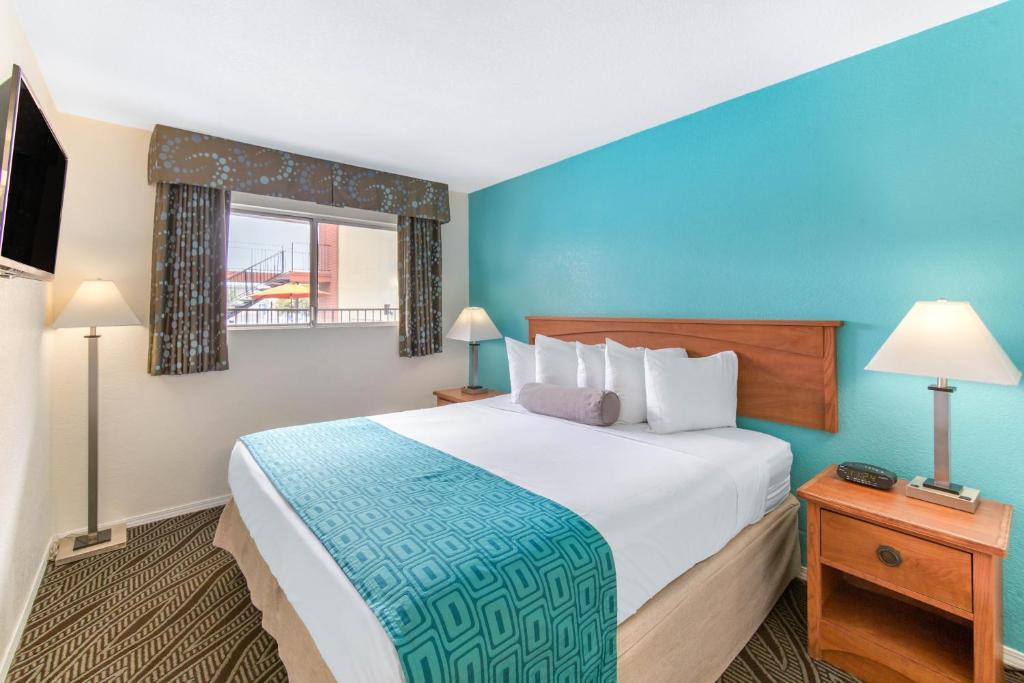 Hotel Howard Johnson Chula Vista Ca Booking Com