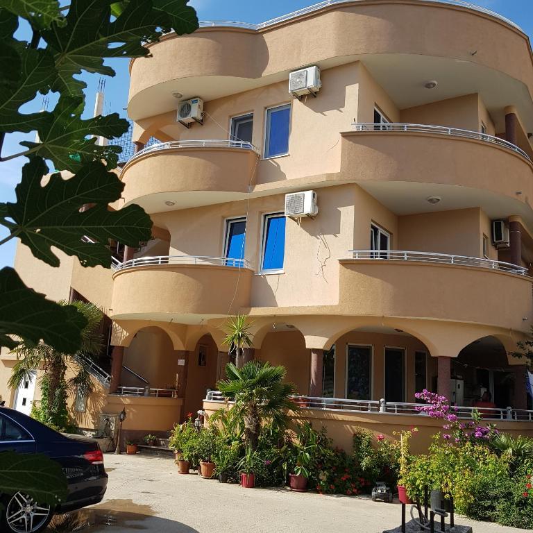 Italian Food Near Me Abandone Building Casa: Apartments Casa Palma, Ulcinj, Montenegro