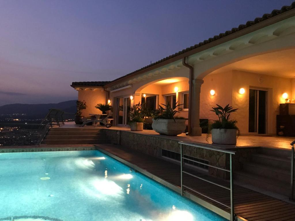 The swimming pool at or close to Villa Victoria, with breathtaking panoramic views