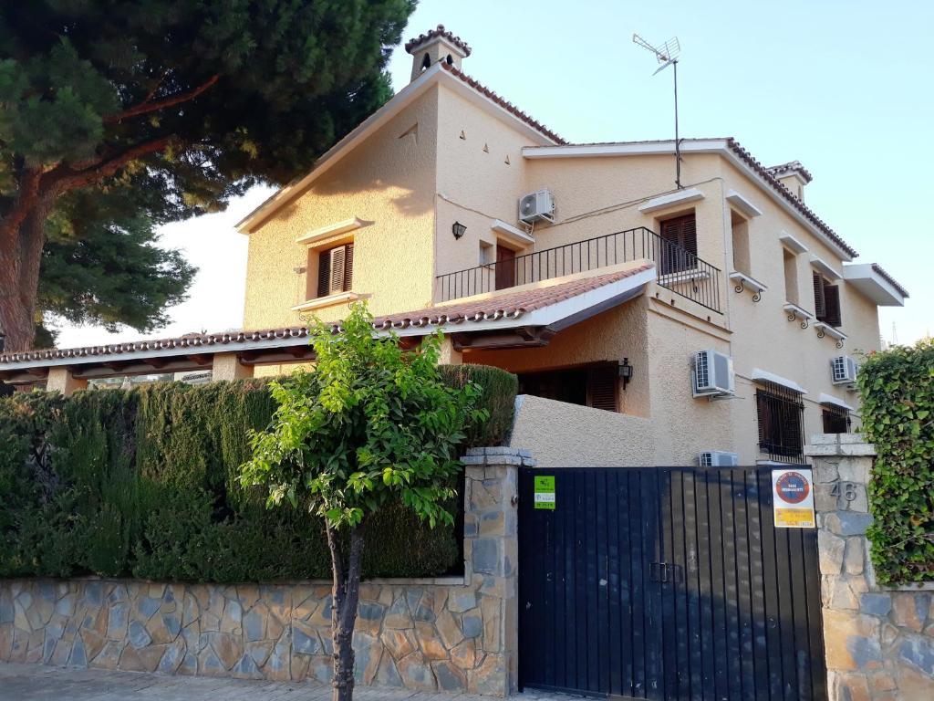 Magnífico chalet en Málaga ciudad con capacidad para 9 ...