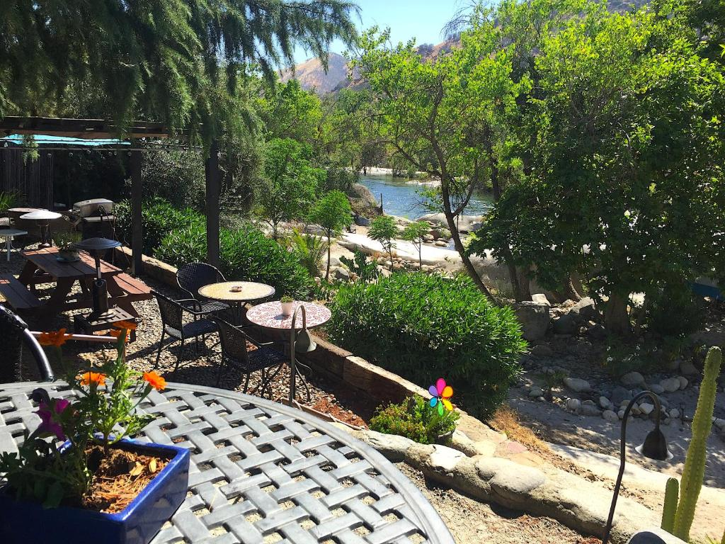 Pension Rio Sierra Riverhouse (USA Three Rivers) - Booking.com