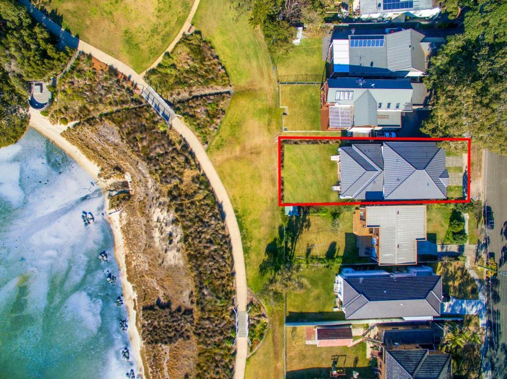 A bird's-eye view of Taren Point beach house