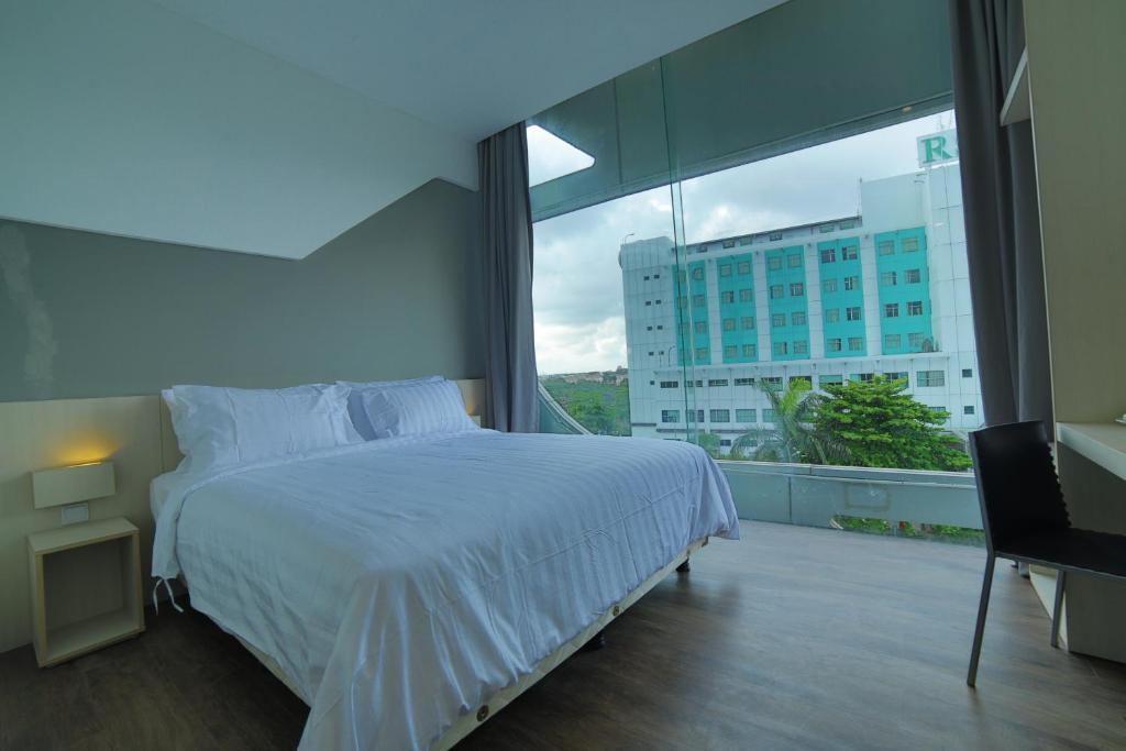 ozone hotel pantai indah kapuk jakarta indonesia booking com rh booking com