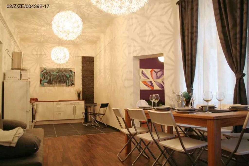 Hevals 7 room apartment friedrichs deutschland berlin booking.com