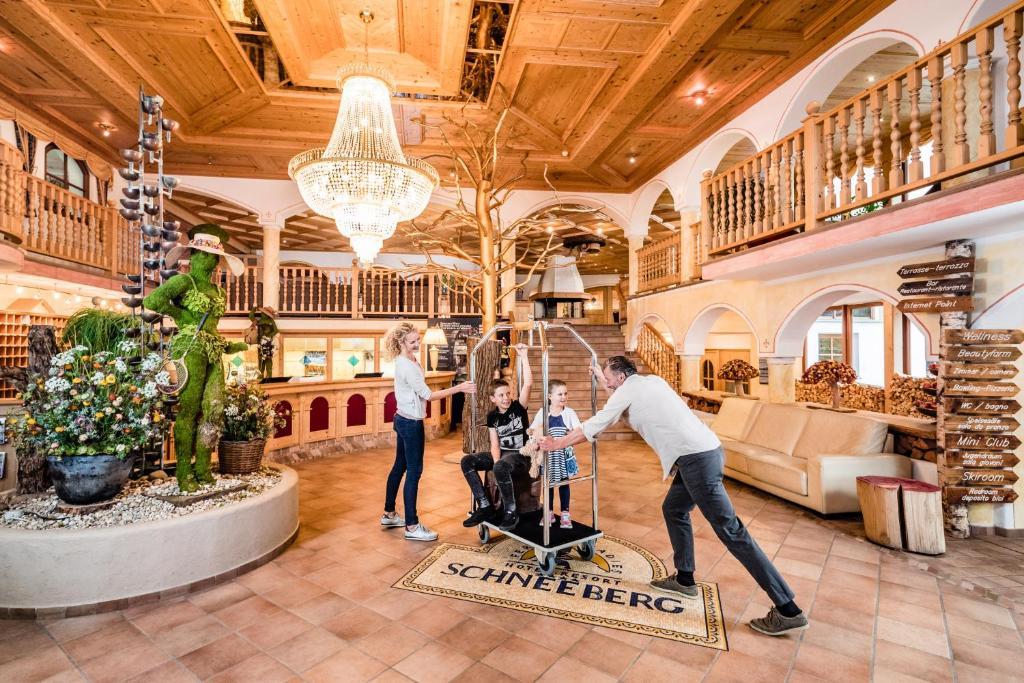 Hotel Schneeberg Family Resort & SPA, Ridanna – Prezzi aggiornati ...