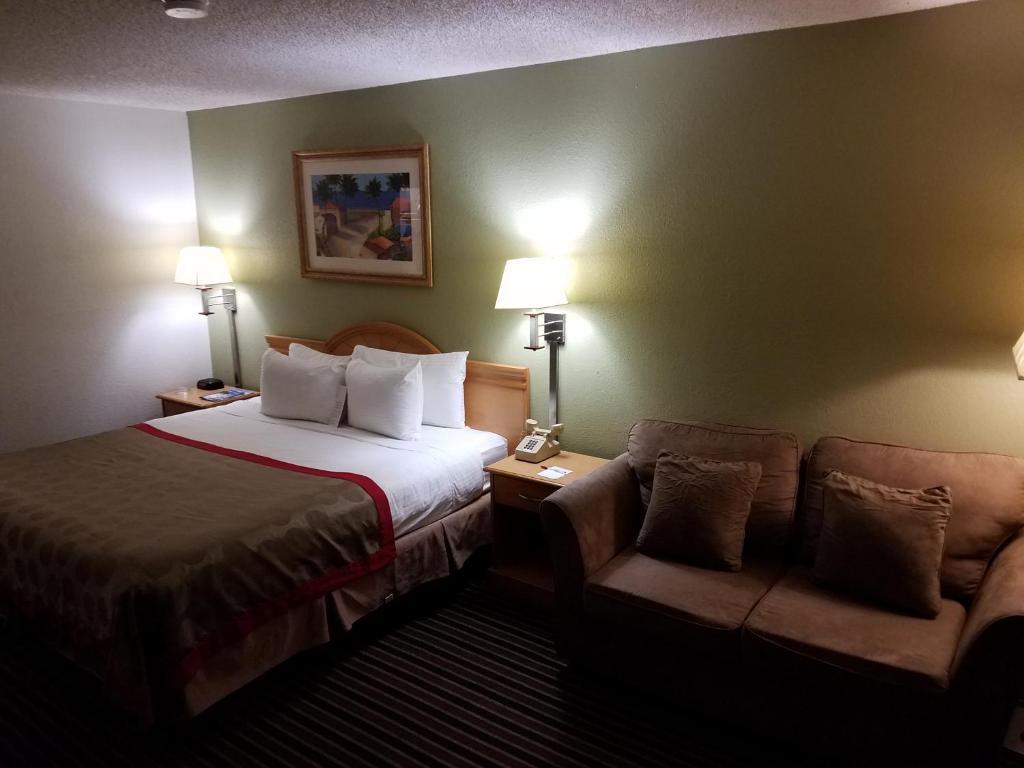 Ramada Inn - Tampa