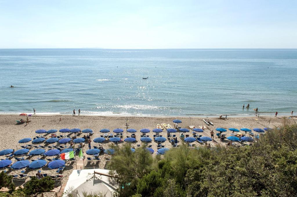 Bagno Mediterraneo San Vincenzo : Bagno mediterraneo san vincenzo prezzi ombrelloni bagno