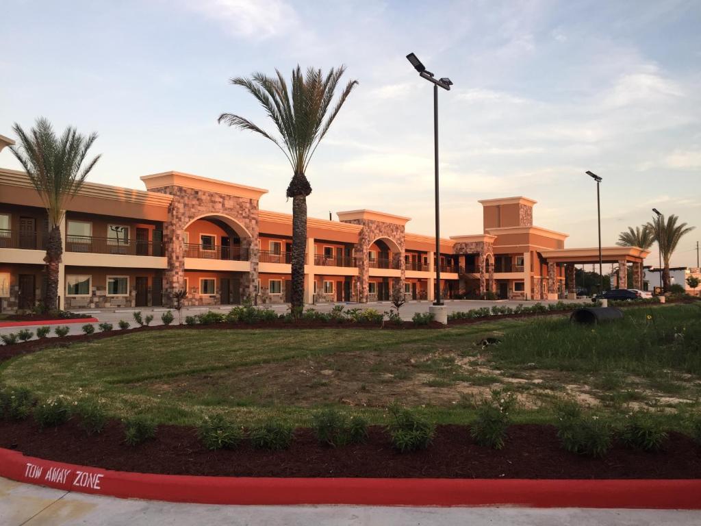 Econo Lodge Inn & Suites, Houston, TX - Booking.com