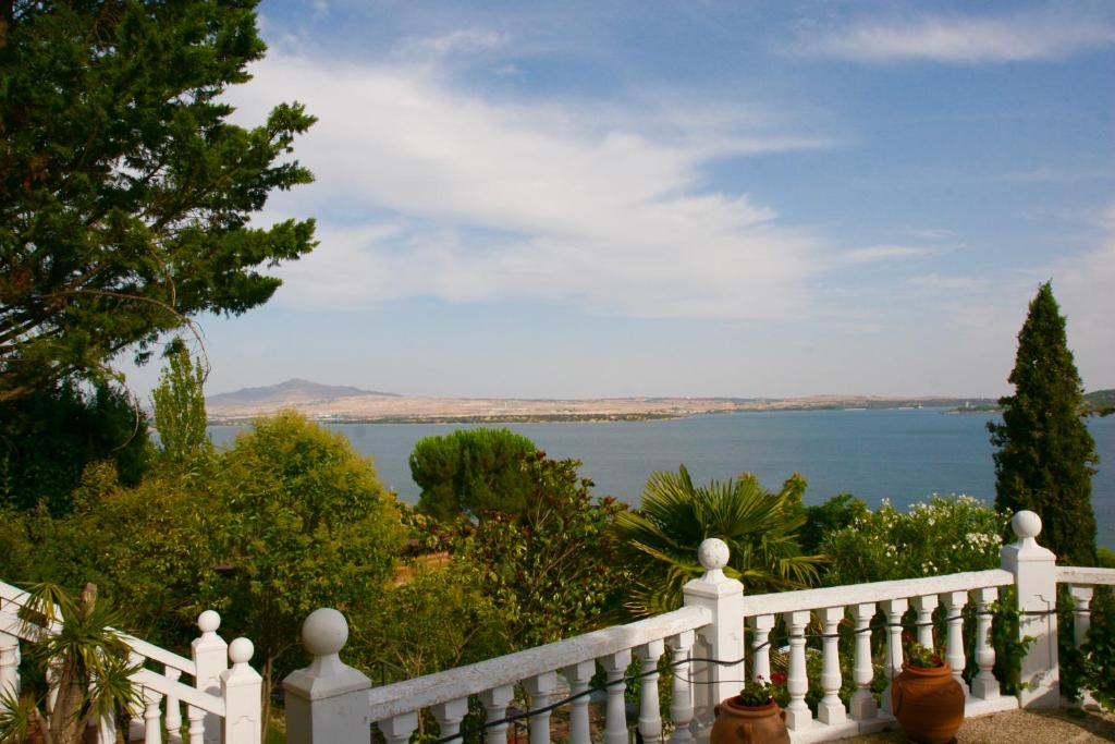 Family Villa - Magnificent Views, Manzanares el Real ...