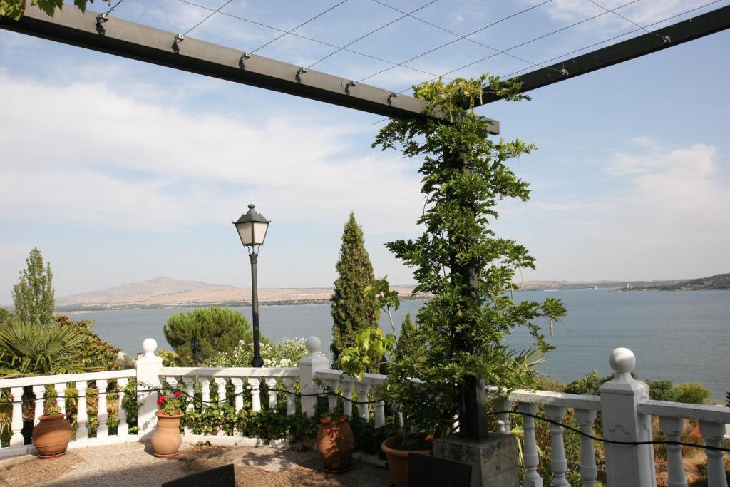 Family Villa - Magnificent Views, Manzanares el Real ...