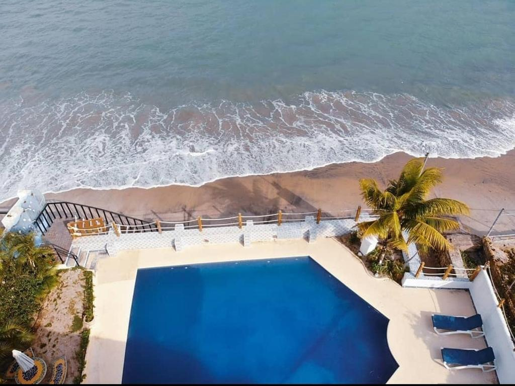 A view of the pool at Casa Guardia Panama or nearby