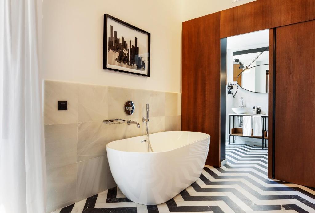 One Shot Palacio Conde De Torrejon 09 Seville Updated 2019 Prices
